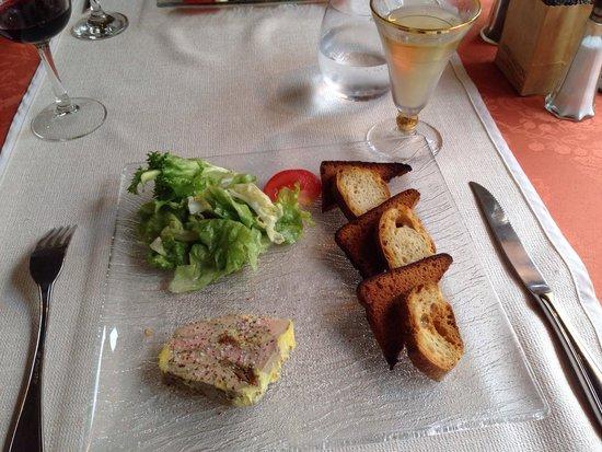 Hotel du Lion D'Or Restaurant : Pressé de foie gras and a glass of monbazillac