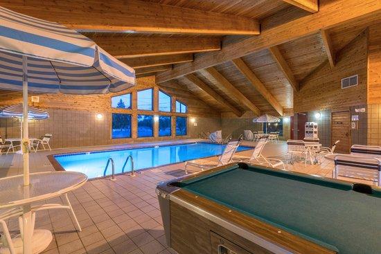 AmericInn Minocqua: pool