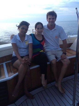 Raja Laut Kota Kinabalu Cruise: With the Raja Laut's crew - Yolanda and Captain Paul Guthrie.
