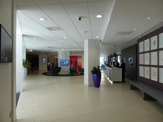 Novotel Leeds Centre: reception