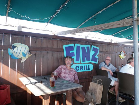 Finz Grill & Bar: A nice cold one