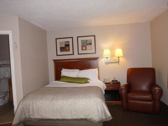 Candlewood Suites Harrisonburg: sleeping area