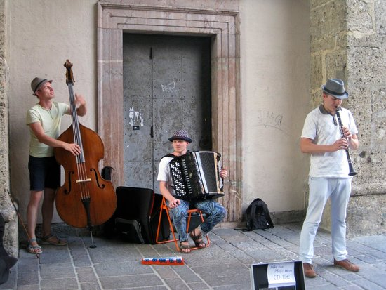 Salzburger Altstadt: Street whispers music in the streets of the Old City in Salzburg