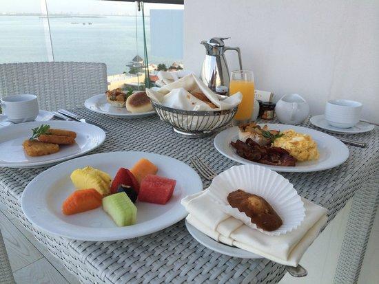 Secrets The Vine Cancun : Room service