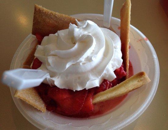 Bald Knob, AR: Strawberry Shortcake: Fresh berries, ice cream and crispy little shortbread cookies