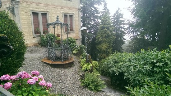 Funicolare Como-Brunate : Villa in Brunate