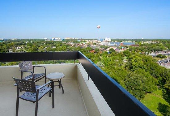 Hilton Orlando Lake Buena Vista - Disney Springs™ Area: Top Floor Balcony View