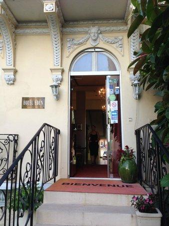 Hôtel Villa Eden : Eingang