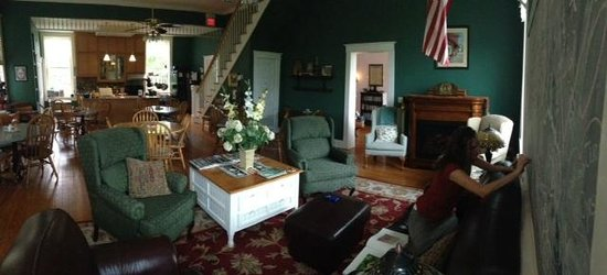 School House Bed & Breakfast: The Common Room