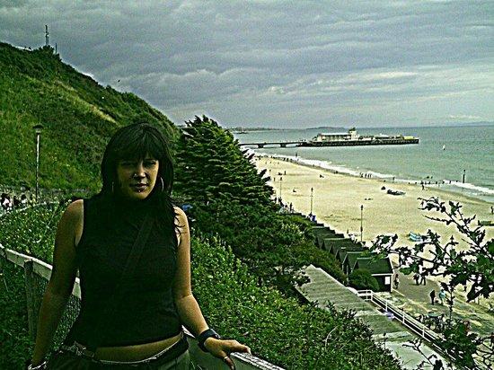 Bournemouth Pier: Pier view