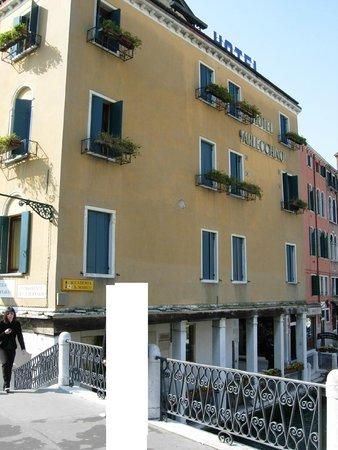 Arlecchino Hotel: Hotel