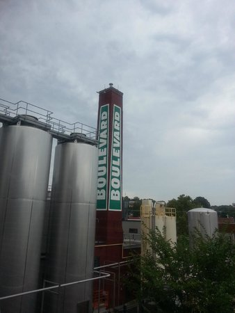 Boulevard Brewing Company: Outside the bewery