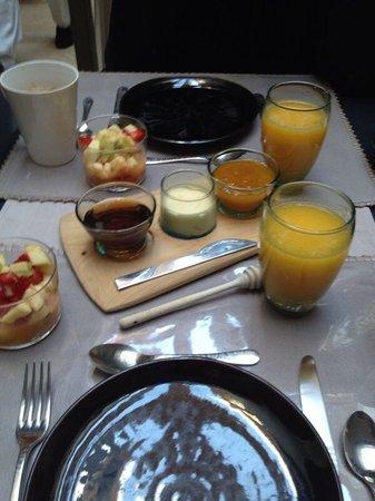 Dar 73: breakfast