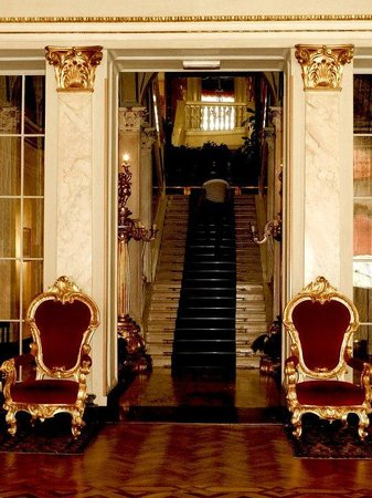 Grand Hotel Villa Serbelloni: Staircase