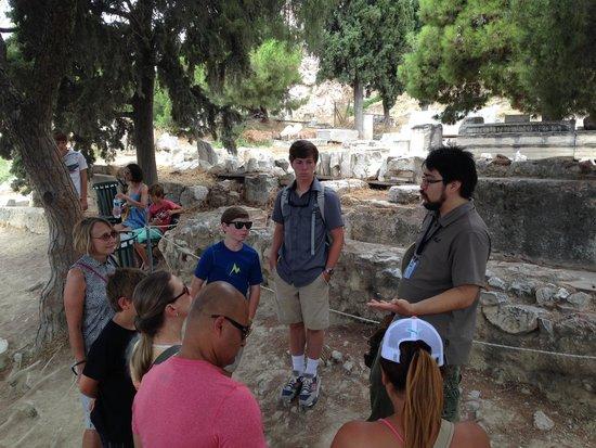 Athens Walking Tours : Hermes teaching us about the Acropolis