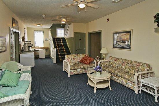 Blue Water Inn: Lobby