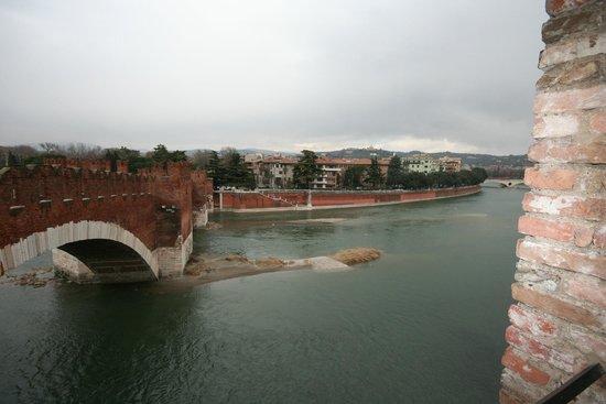 Ponte Scaligero: красота