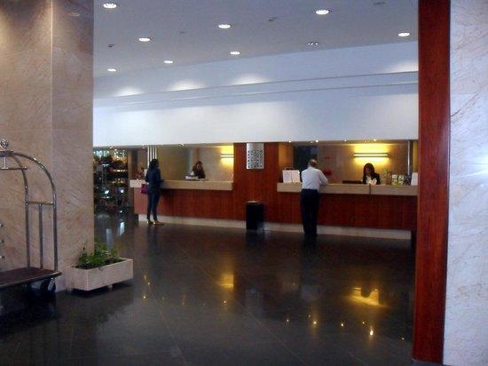 VIP Executive Zurique Hotel : Recepção hotel