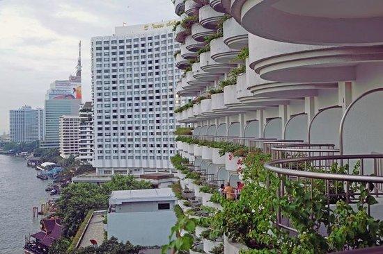 Shangri-La Hotel,Bangkok : from my balcony: Krungthep deluxe balcony