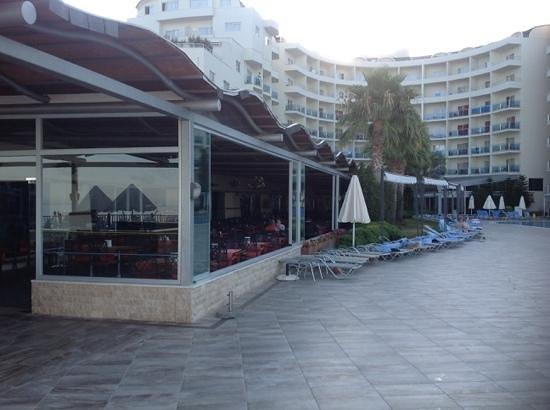 Sealight Resort Hotel: veranda