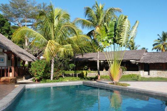 Corail Noir : Parte del giardino vicino alla piscina
