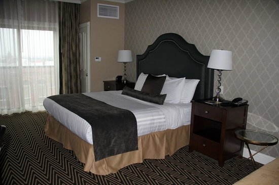 Majestic Inn and Spa: King Bed Room - New Building