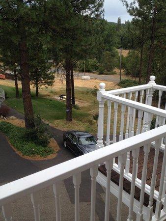 Blackberry Inn at Yosemite: honeymoon sweet