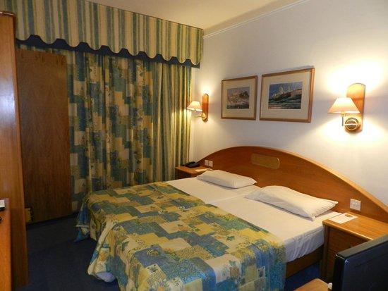 Hotel Santana: Room
