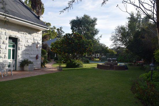 La Pension Guest House: Cottage and grounds