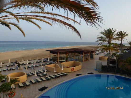 Iberostar Fuerteventura Palace : Beach view towards Morro Jable
