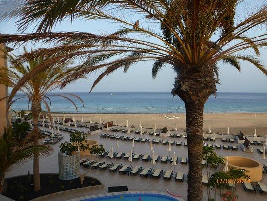 Iberostar Fuerteventura Palace: Beach view in front of hotel