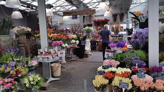 Museum Suites: The Flower market