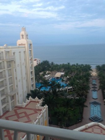 Hotel Riu Vallarta: awesome view from balcony