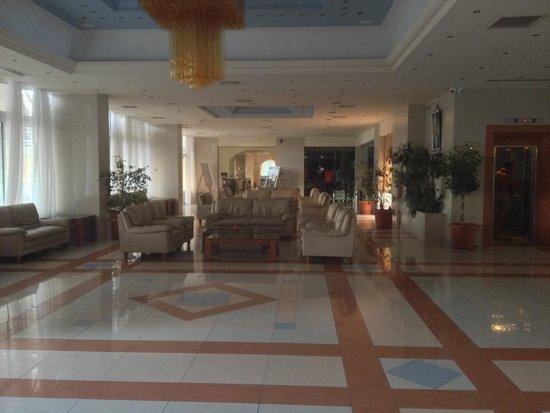 Pegasos Beach Hotel: Lobby