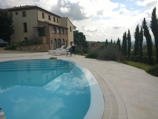 Etruria Resort & Natural Spa: piscina fronte dependance