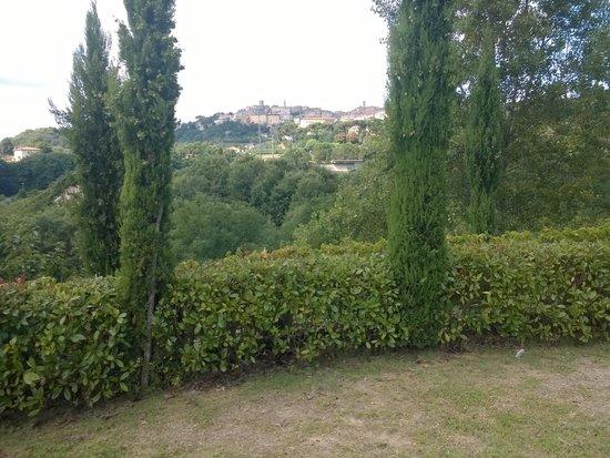 Etruria Resort & Natural Spa : panorama fronte dependance(Montepulciano)