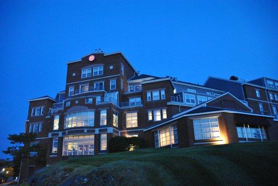 Sheraton Portsmouth Harborside Hotel: au crépuscule