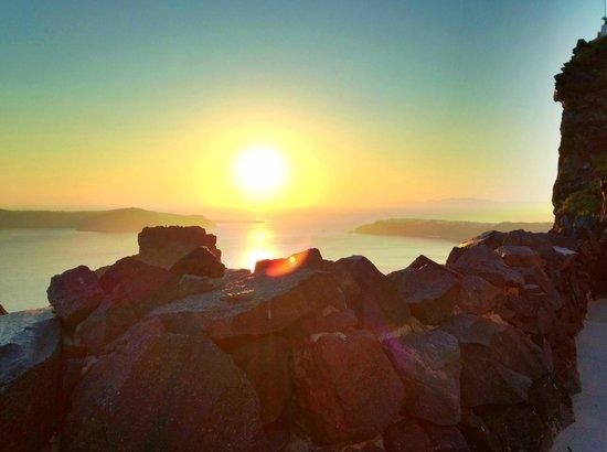 Honeymoon Petra Villas : Sunset view