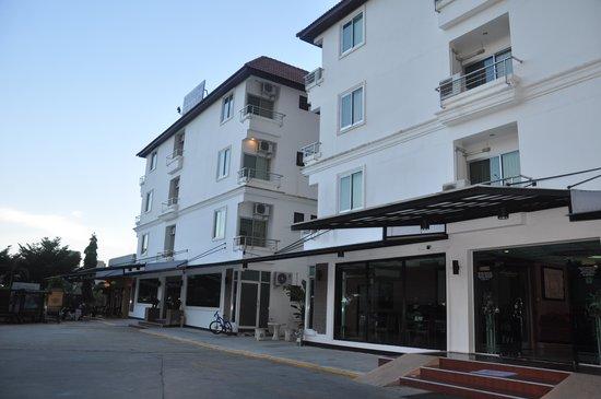 Great Residence Hotel: вид на корпуса