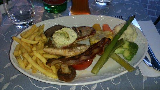 Weinhaus Happ: Mix di carne e verdure.
