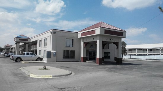 Americas Best Value Inn And Suites- Odessa: front
