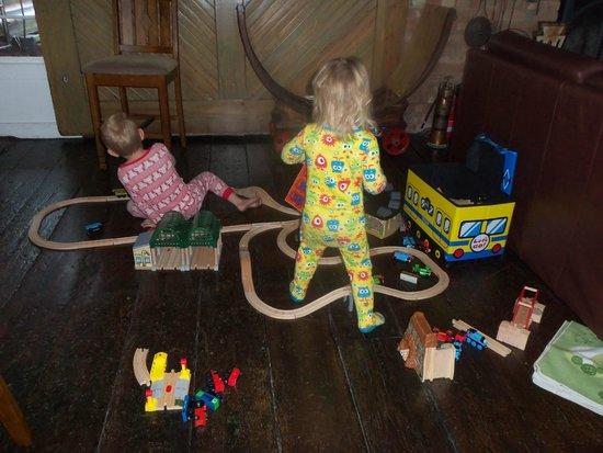Riley's Railhouse: Train Set for Kids to Play!