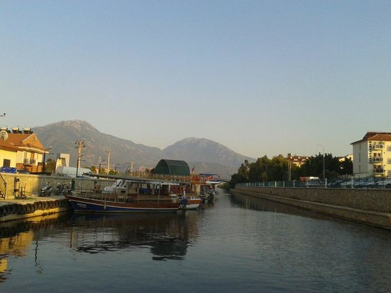 Oykun Hotel: Water taxi to Fethiye