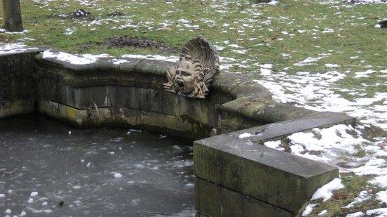 Potsdamer Gärten: Замерзший фонтан
