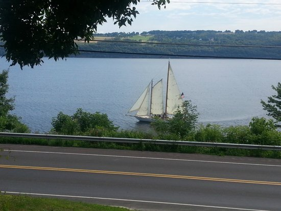 Admiral Peabody's Lakeside Lodging: Tourist Schooner from the village
