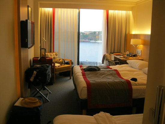 Radisson Blu Waterfront Hotel: View of room from front door