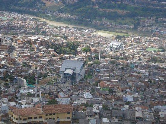 Medellin Metrocable: Estaciones