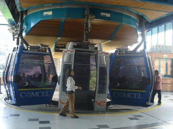 Medellin Metrocable: unas gondolas hermosas y seh