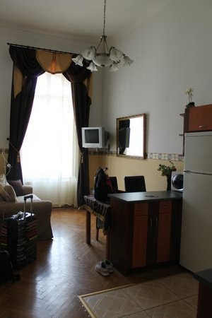 Budapest Best Apartments: Living room