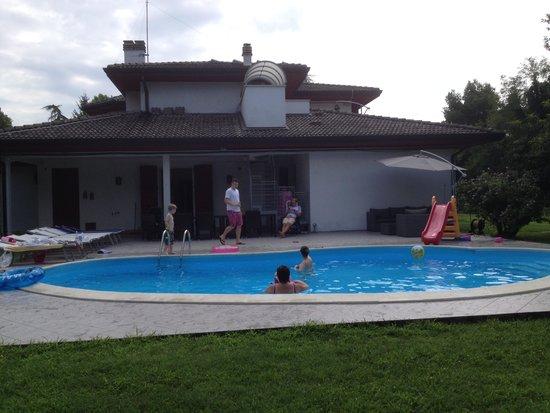 Vanessa House: Lovely Pool